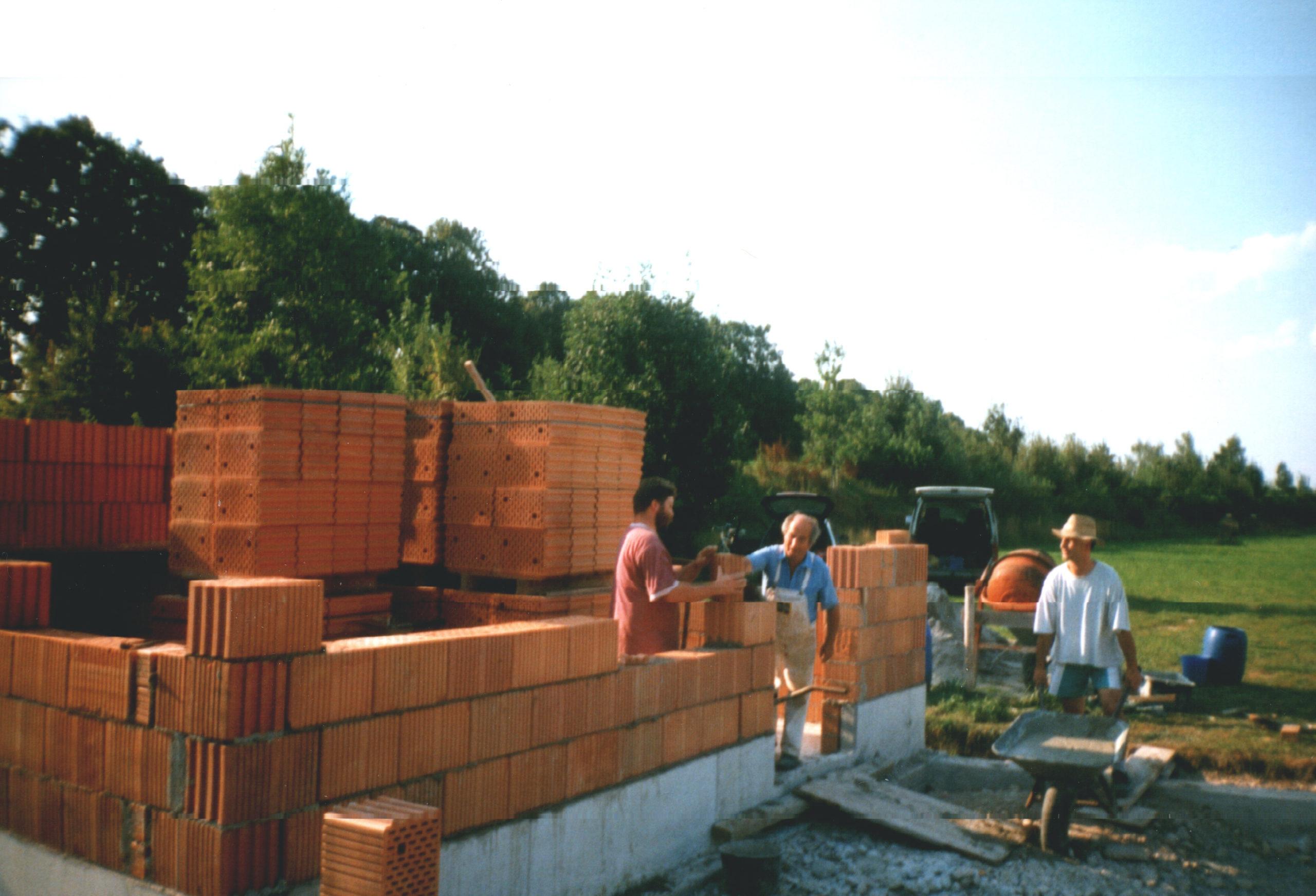 Das Vereinsheim wird gebaut